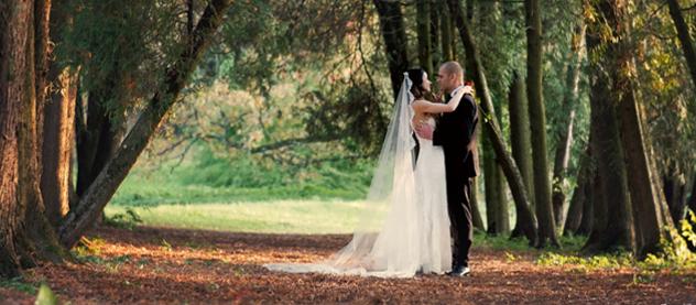 Jesienny teledysk ślubny, kamerzysta na wesele